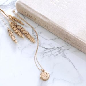 Invisa Wear Gold Chain Necklace - Gifts for People with Anxiety